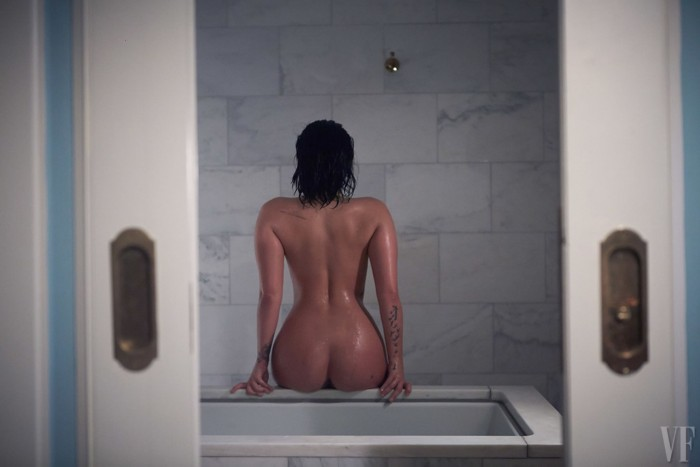 demi-lovato-naked-sexy-ass