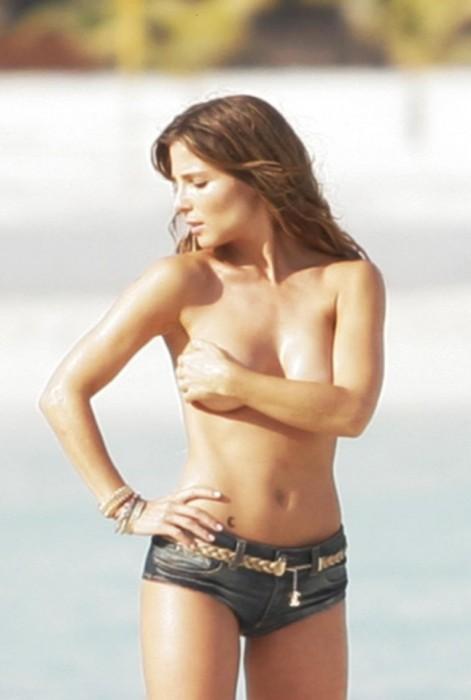 Elsa Pataky half-nude pic