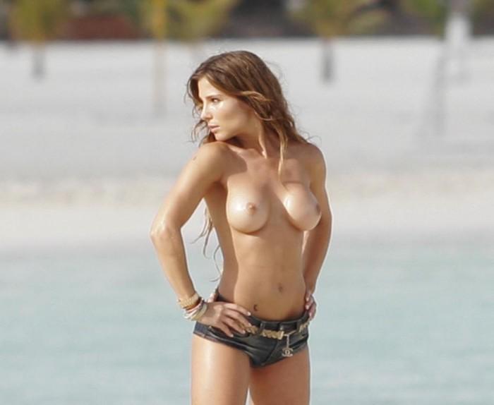 Elsa Pataky nipples