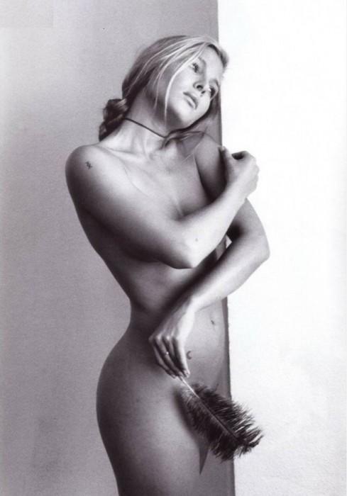 Hot Elsa Pataky Nude Photo