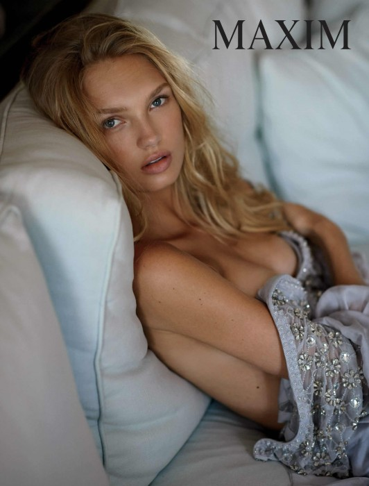 hot-romee-strijd-topless