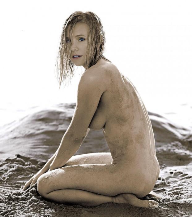 Nude Photos Of Kristen Bell 14