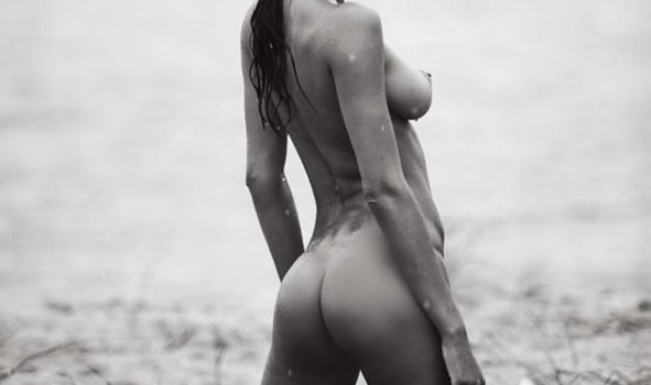 Lais Ribeiro Naked and Sexy (10 Photos)