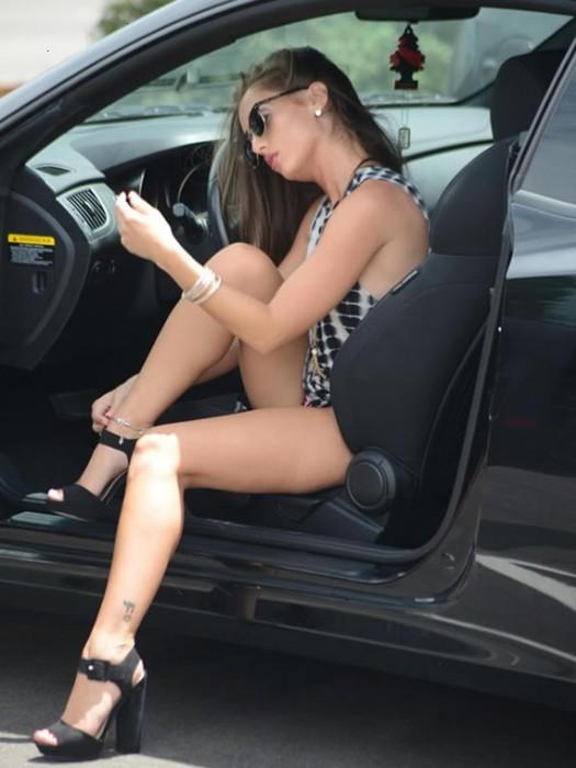 melissa-lori-sexy-legs