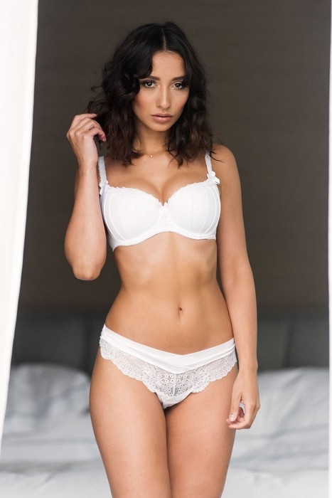 nicola-paul-sexy