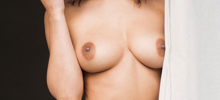 Nicola Paul Topless (4 Photos)