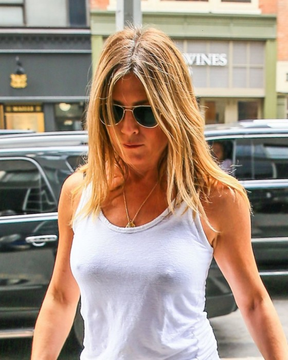 jennifer aniston leaked