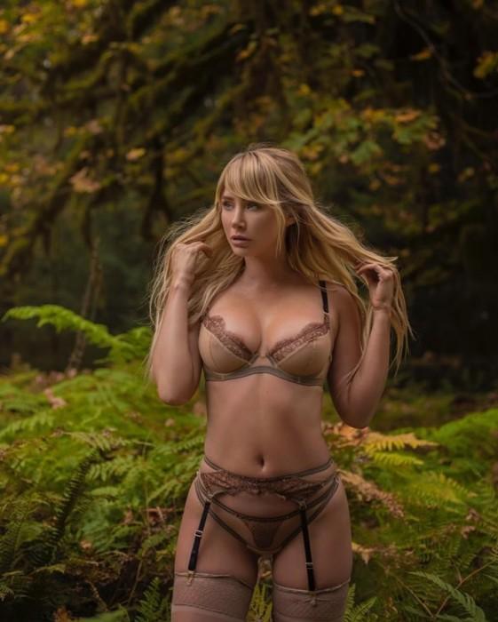 sara-jean-underwood-sexy-lingerie