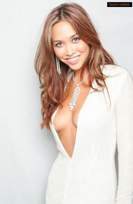 sexy-myleene-klass-cleavage