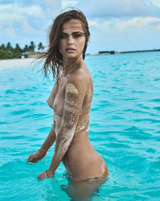 xenia-deli-naked-sexy-nipples