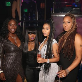 nicki-minaj-at-nightclub
