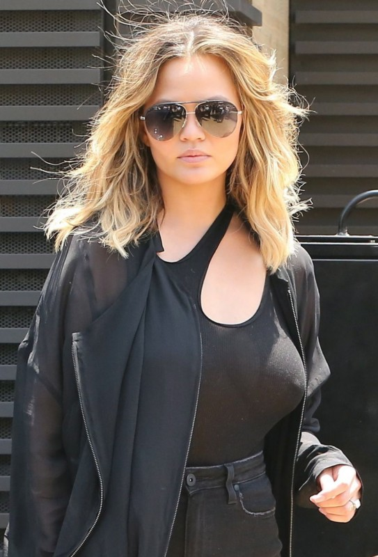 Chrissy Teigen Braless Photo