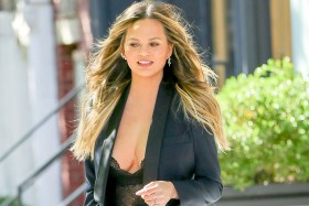 Chrissy Teigen Cleavage