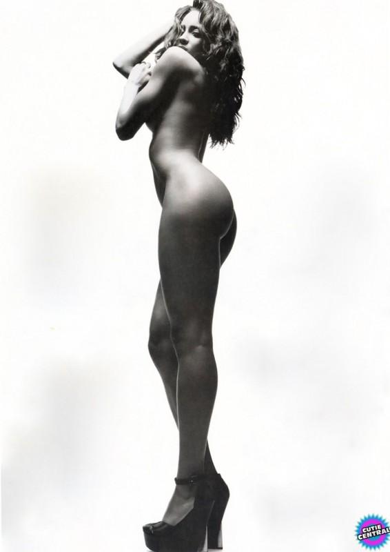 Ciara Naked Photo