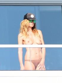 Heidi Klum Topless Paparazzi Photo