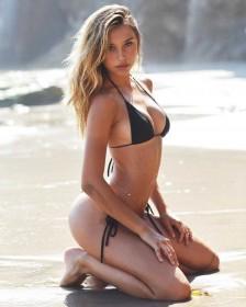 Hot Alexis Ren in bikini