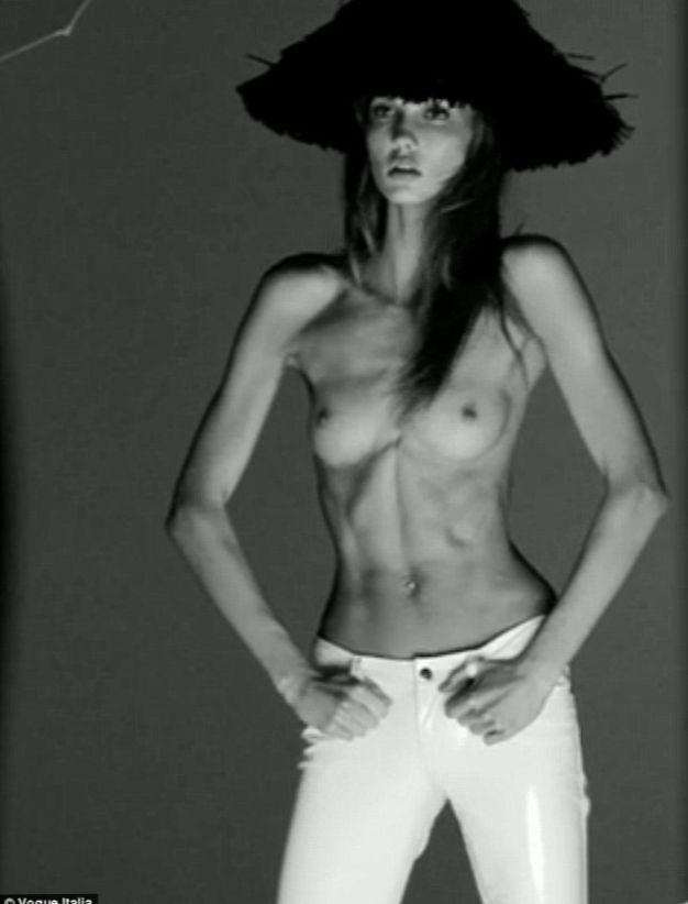 alexa bliss nude