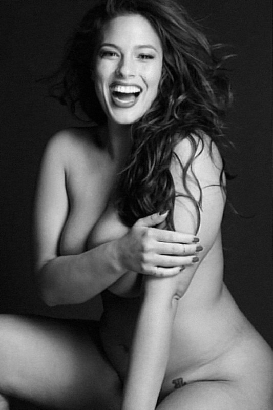 Sexy Ashley Graham Naked Photo