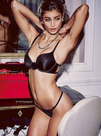 Sexy Taylor Marie Hill