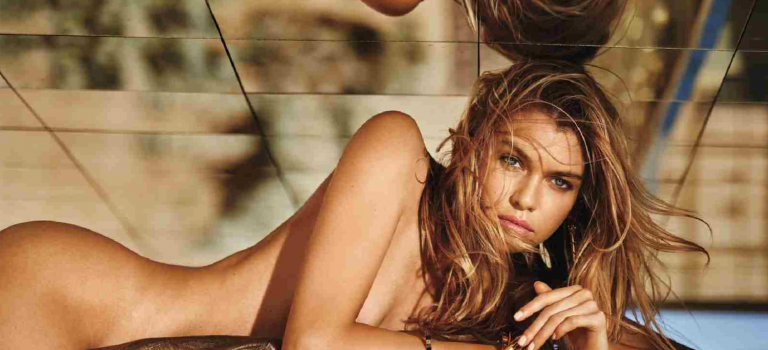 Stella Maxwell Naked (15 Photos)