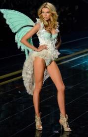 Stella Maxwell Victoria Secret