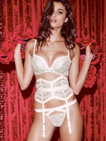 Taylor-Marie-Hill-Sextastic-In-Early-Holiday-Lingerie