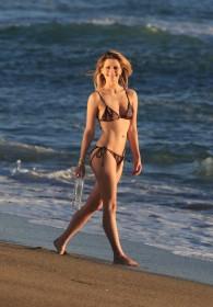 Hot Mischa Barton in bikini