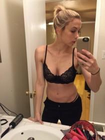 Iliza Shlesinger Leaked photo 2017