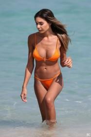 Jasmine Tosh in bikini pic