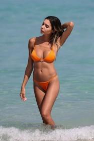 Jasmine Tosh in bikini pictures