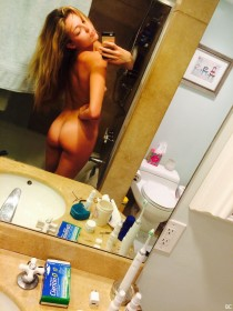 Lili Simmons Nude Leaked Pic