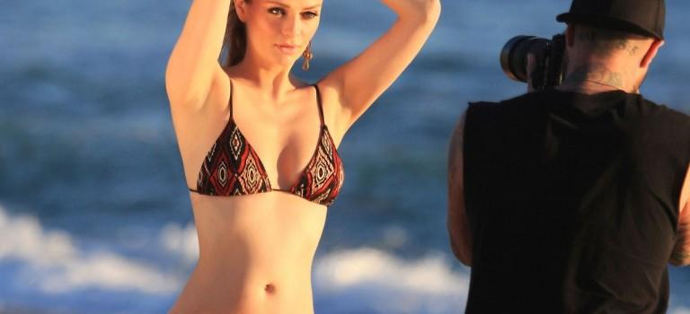 Mischa Barton in bikini (20 Photos)