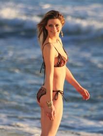 Sexy Mischa Barton in bikini