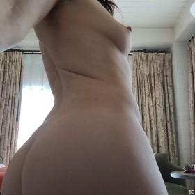 Sexy Natasha Leggero Nude
