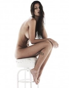 Sexy Thais Oliveira Nude