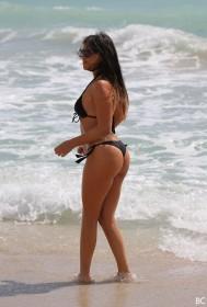 Claudia Romani in bikini pic