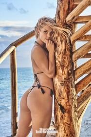 Nina Agdal Sexy Booty Photo