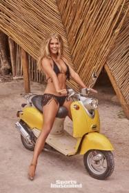 Nina Agdal Sexy Photoshoot