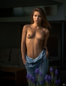 Sexy Marisa Papen Topless
