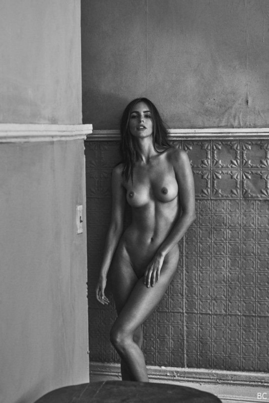 Amanda Pizziconi Nude Photoshoot