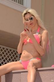 Frenchy Morgan in sexy bikini