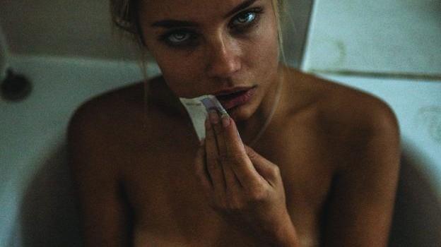 Holly Horne Topless (7 Photos)