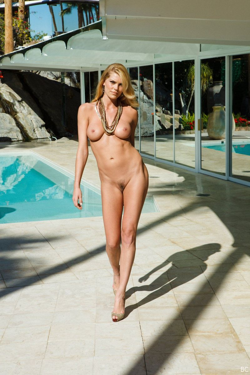 anderson nude Amy