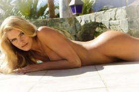 Sexy May Andersen Nude