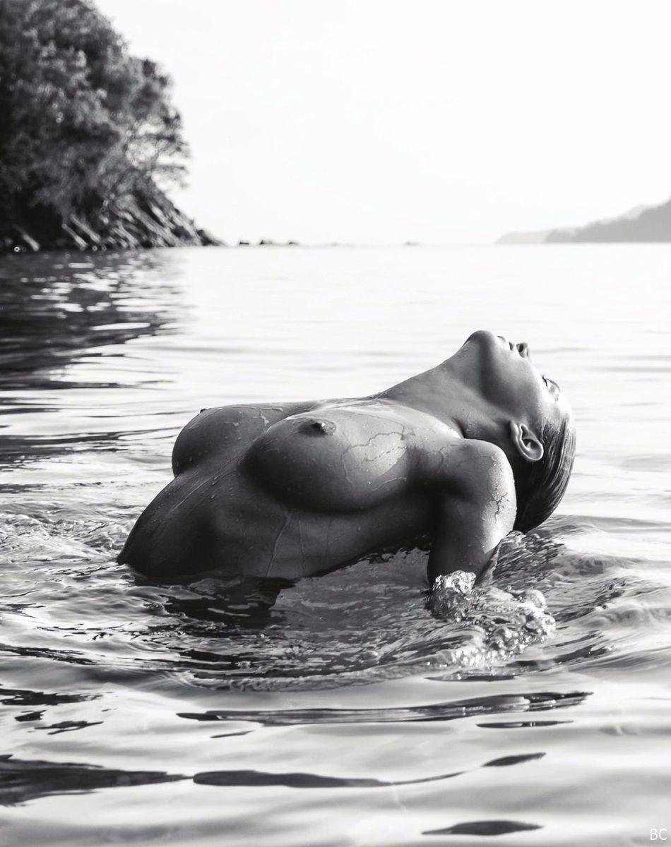 genevieve naked