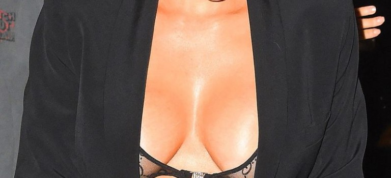 Kim Kardashian Cleavage (20 Photos)