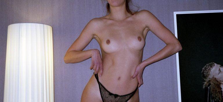 Louise Ropagnol Topless (17 Photos)