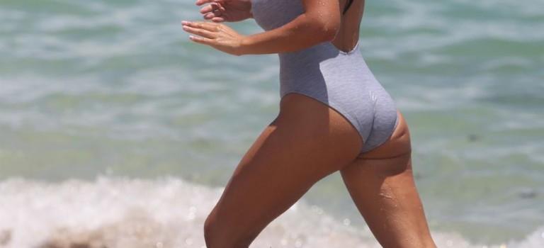 Ludivine Kadri in a swimsuit (18 Photos)
