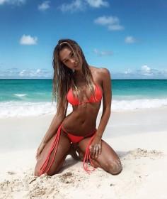 Sexy Alexis Ren in Bikini