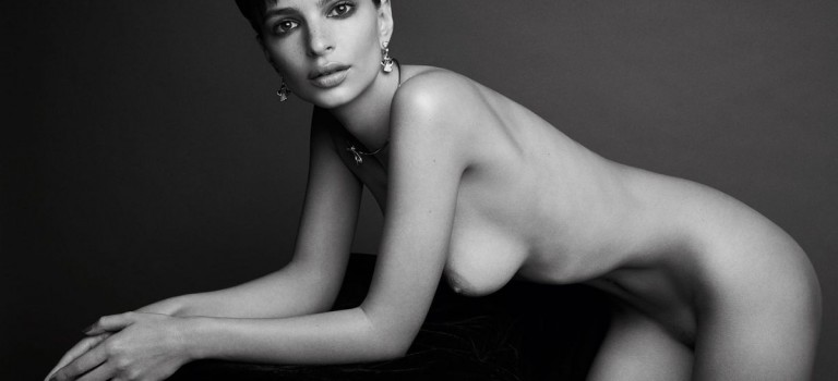 Emily Ratajkowski Naked (2 Photos)